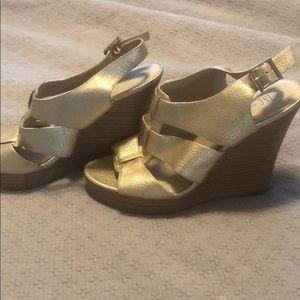 INC Gold Wedges